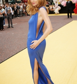 heathergraham nipples redcarpet 05